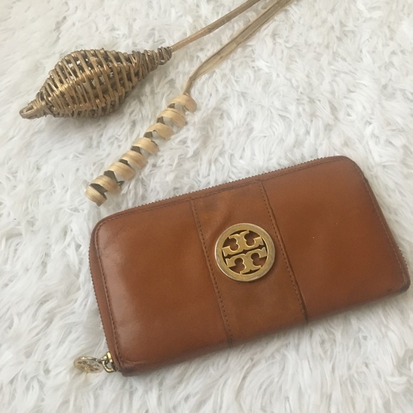 Tory Burch Handbags - Tory Burch brown leather wallet